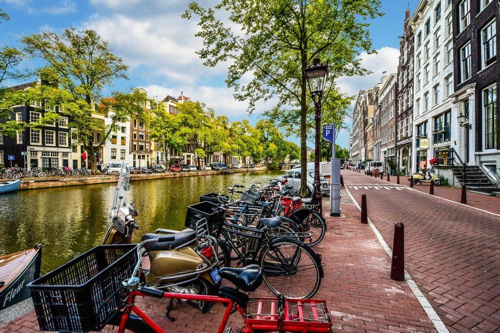 bicicletta amsterdam dove metterla