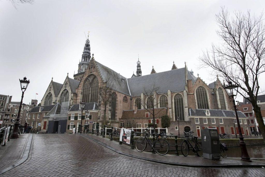 vedere amsterdam chiesa oude kerk
